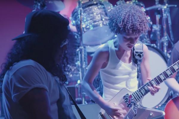 """Slash da una sorpresa a los chicos de """"School Of Rock The Musical"""""""