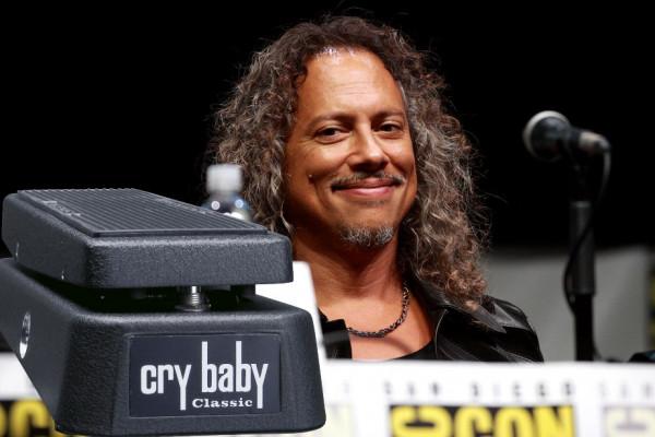 Kirk Hammett es desafiado a una competición de wah y acepta: el sueño de todo hater