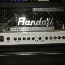 Randall de cerca