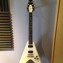 Gibson Flying v classic white 2011