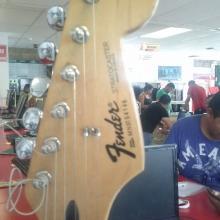 verificación de autenticidad de guitarra fender
