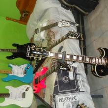 algunas de mis guitarras