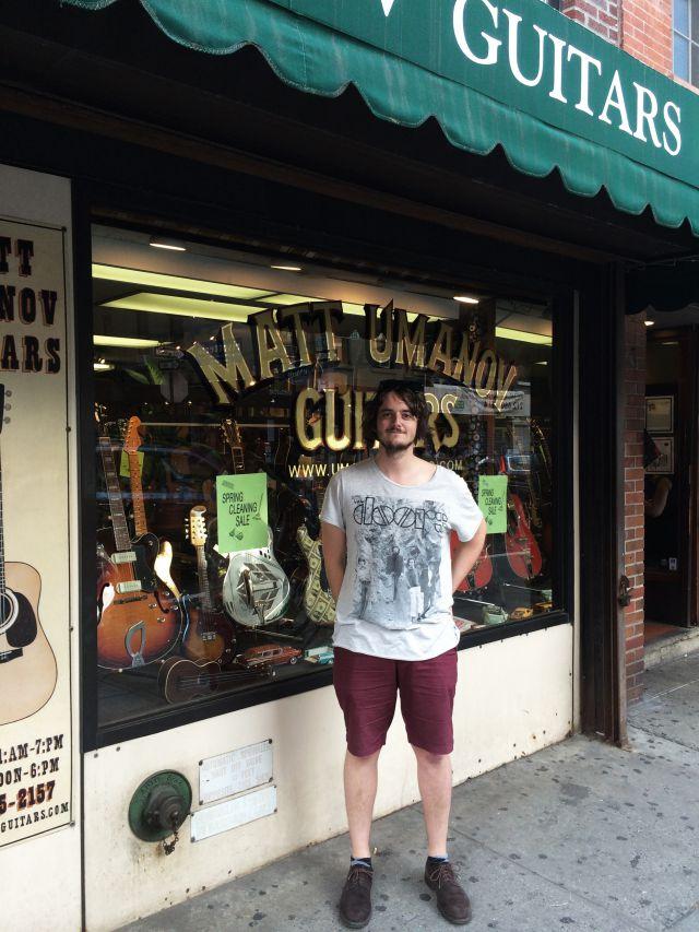 En Matt Umanov Guitars (NY)
